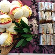 卵とサラミ&とサーモンとアボカドのサンドイッチ